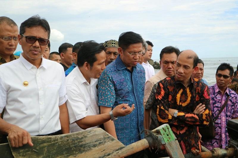 Nelayan Kota Padang Peroleh 525 Konkit Secara Gratis